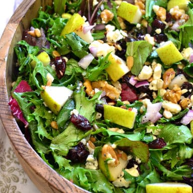 Check out this delicious recipe for Pear, walnut & gorgonzola salad!